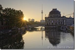 Bode Museum Berlin bei Sonnenaufgang